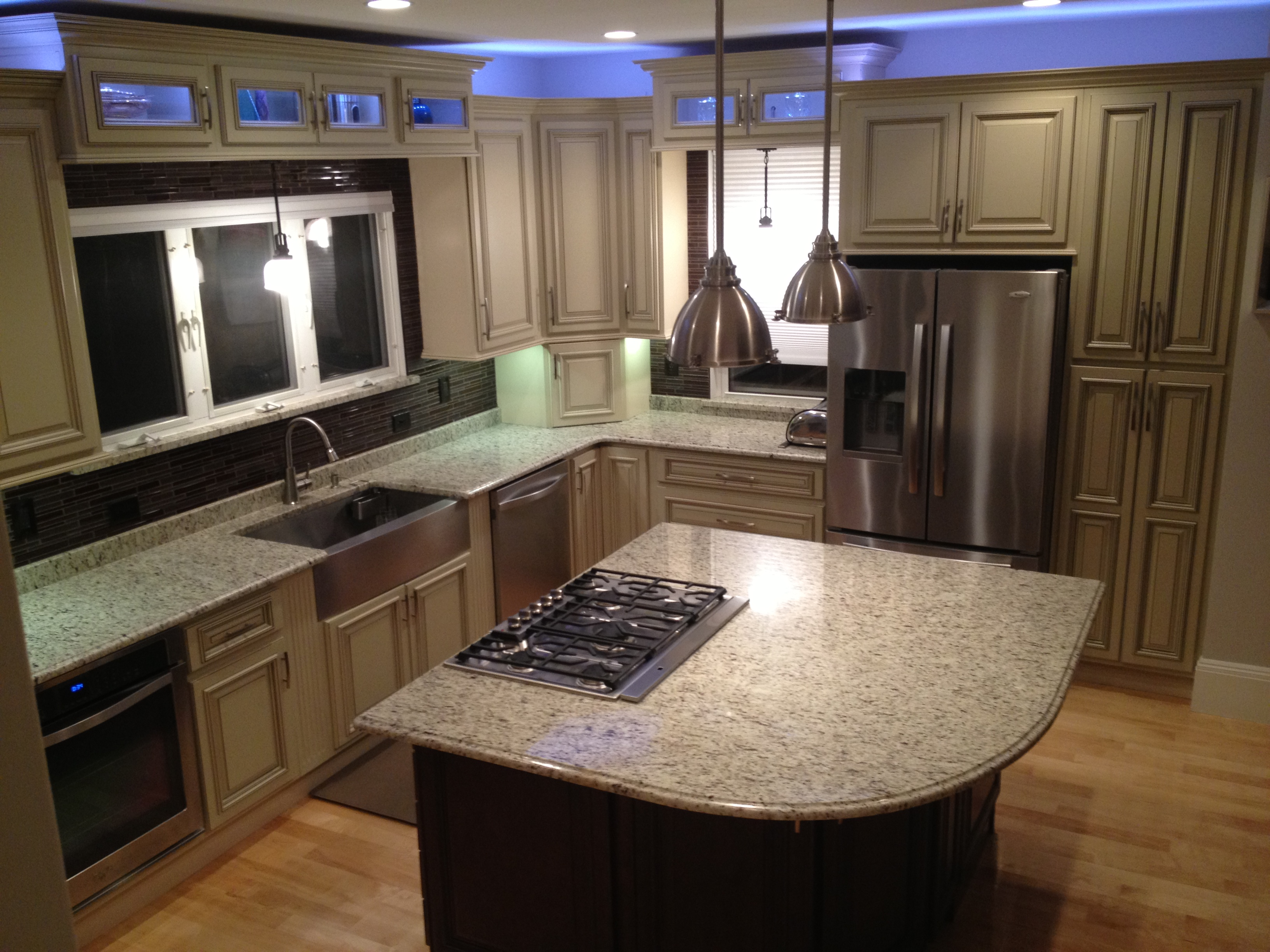 light or dark finished cabinets which should you buy light kitchen cabinets Advantages of light finished kitchen cabinets Cherry Finished cabinets