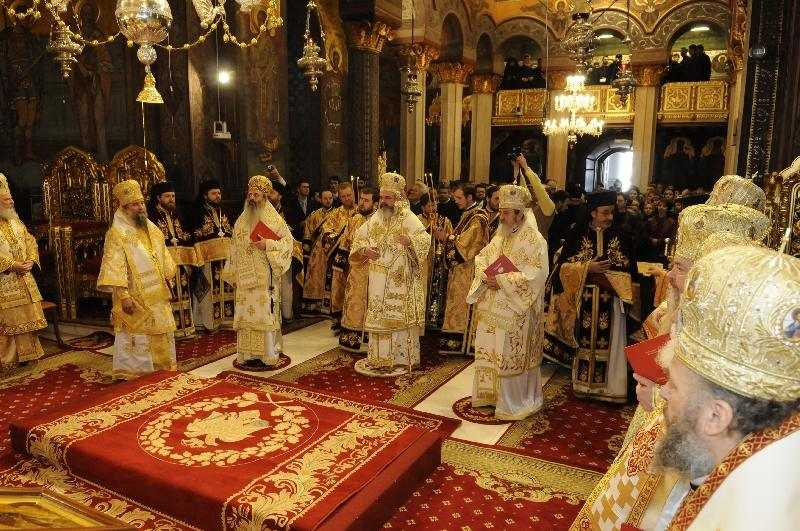 programul-slujirii-ierarhilor-bisericii-ortodoxe-romane-7