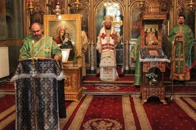 liturghie-arhiereasca-in-sambata-sfantului-teodor