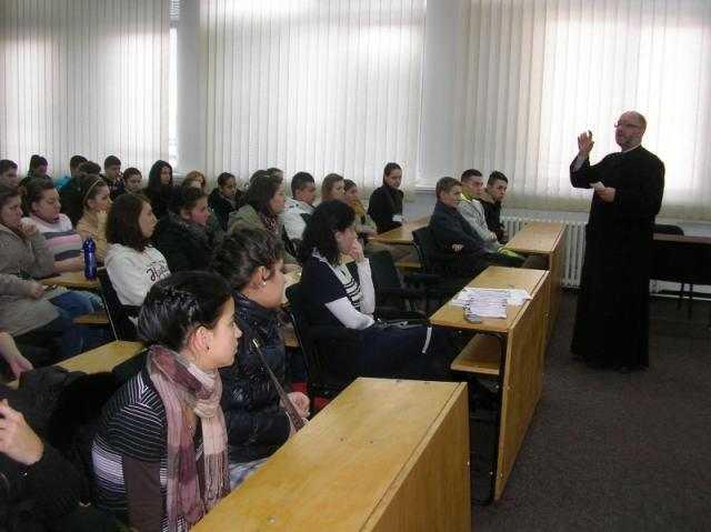 proiectul-sa-cunoastem-sf-liturghie-in