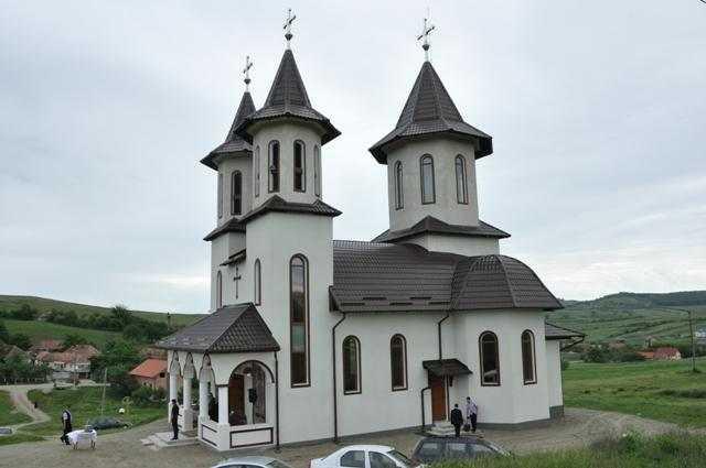 tarnosirea-bisericii-din-parohia-recea-mica