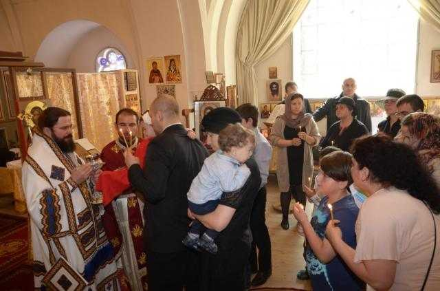 liturghie-arhiereasca-in-duminica-sfintilor-romani