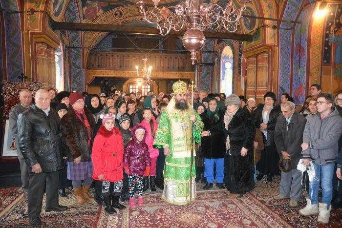 liturghie-arhiereasca-in-parohia-obarsia-veche