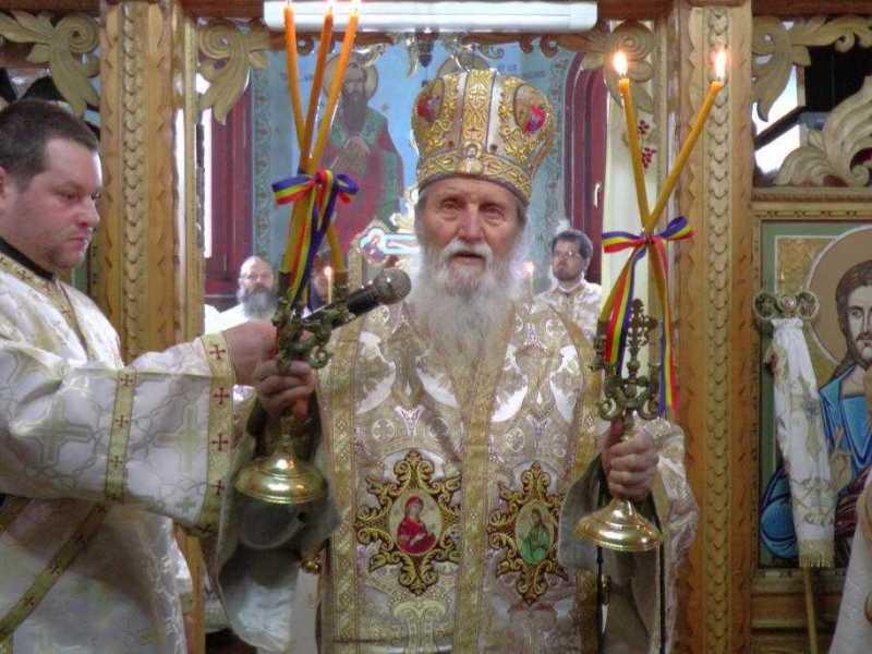 liturghie-arhiereasca-la-complexul-monastic-de