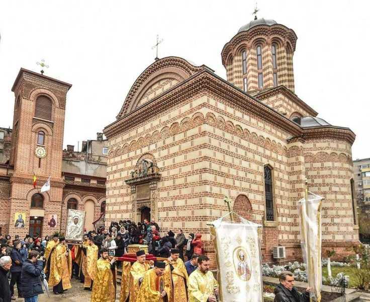 procesiune-la-biserica-domneasca-de-la