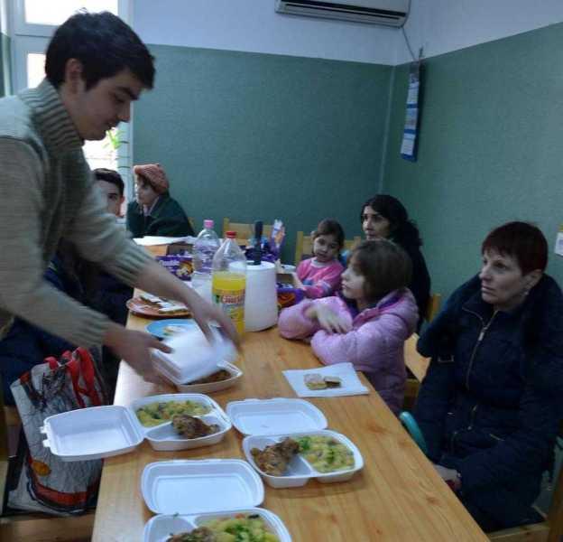 proiectul-masa-saracilor-dedicat-persoanelor-defavorizate