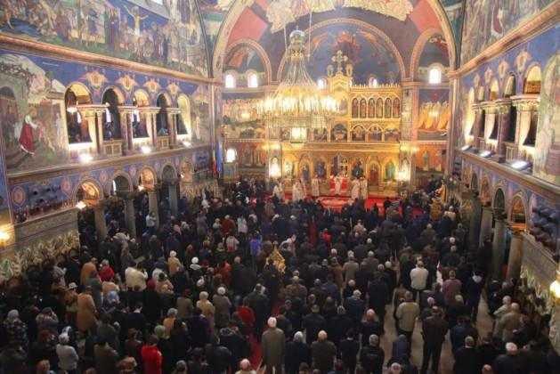 slujire-arhiereasca-in-duminica-ortodoxiei-la