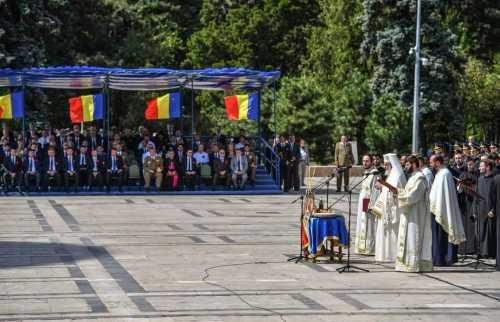 Patriarhul Daniel s-a rugat pentru eroii români la aniversarea Centenarului Primului Război Mondial (10)