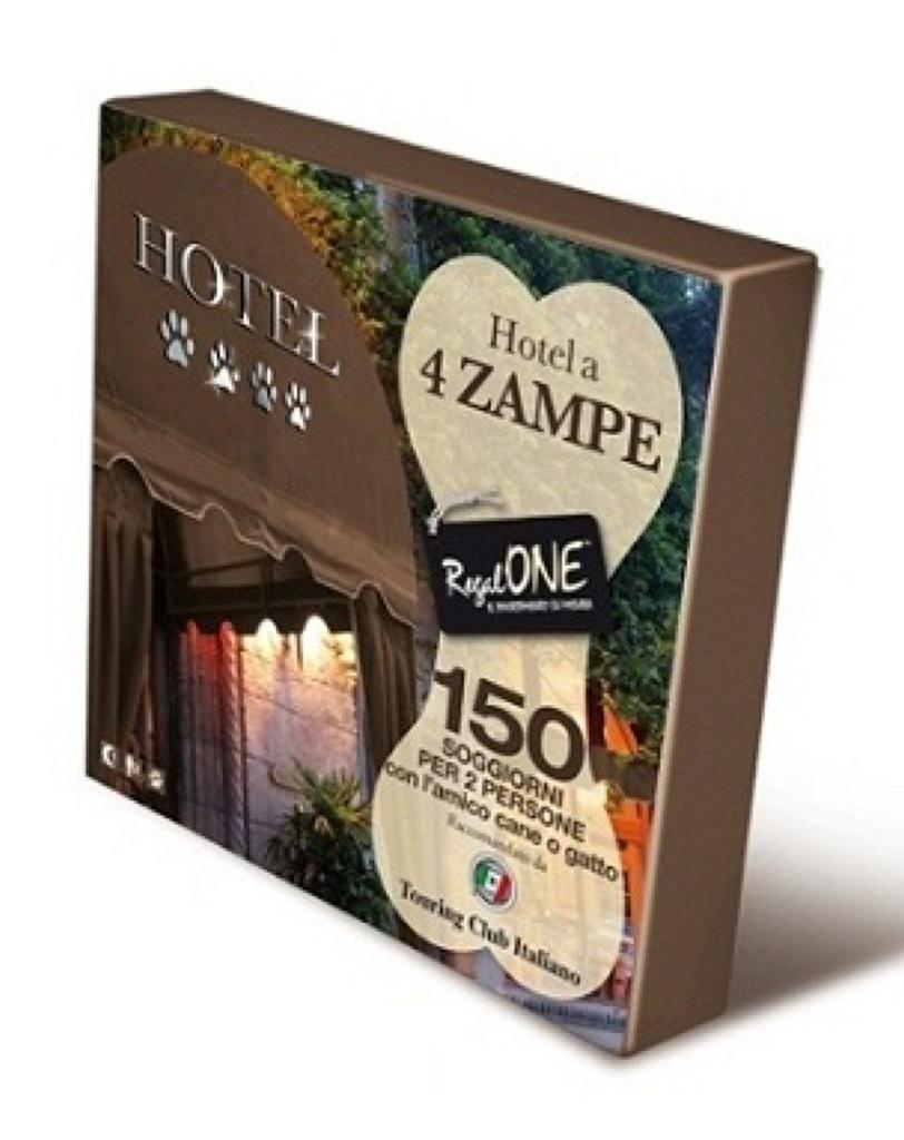 Cofanetto RegalONE Hotel a 4 Zampe :150 soggiorni per due persone con l'amico cane o gatto!