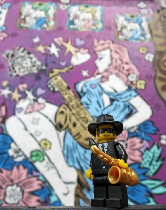 Lego saxophone player, graffiti, saxophone player graffiti, Brooklyn,