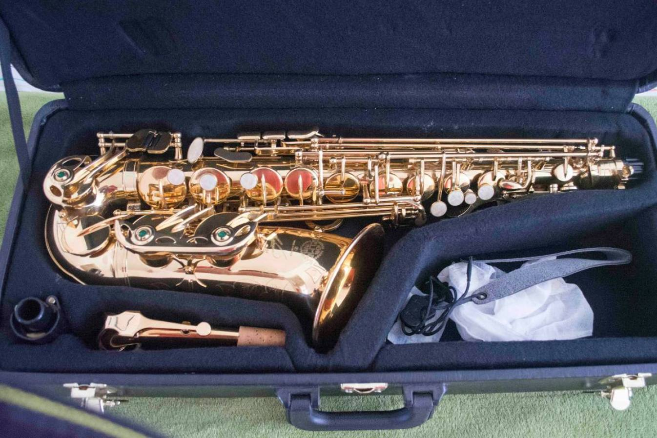 counterfeit saxophone, Selmer knockoff,