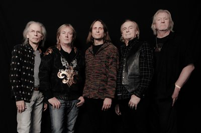 Bassist-Chris-Squire-of-Yes-Bass-Musician-Magazine-2