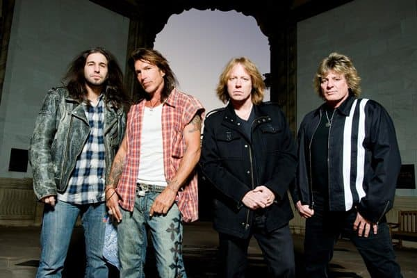 Foreigners Jeff Pilson-2