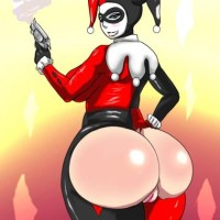 Joker's girl Harley Quinn has big round ass - Batman will think twice about fighting with her...