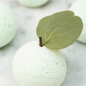 DIY Apple Bath Bombs