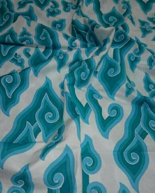 kain batik motif Mega mendung tembokan putihan Gb.1