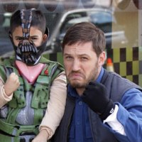 Tom Hardy poses with mini-Bane on set of new movie (photo)