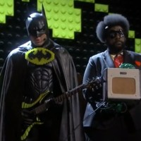 Will Arnett put on Val Kilmer's Batsuit and sang his Batman song at the Oscars (video)