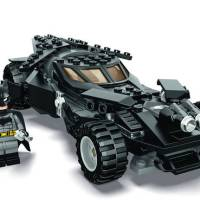 First look at LEGO 'Batman v Superman' Batmobile and Batman set