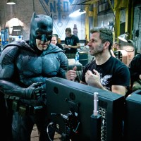 Ben Affleck on playing a 'f*cked up' Batman; more new images from 'Batman v Superman'