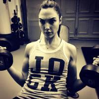 Gal Gadot shows off her guns as 'Wonder Woman' production nears (photo)