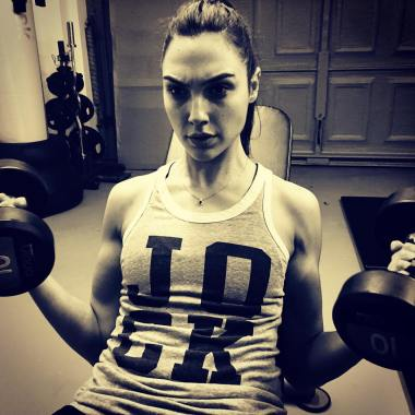 Gal Gadot shows off her guns as 'Wonder Woman' production nears (photo)