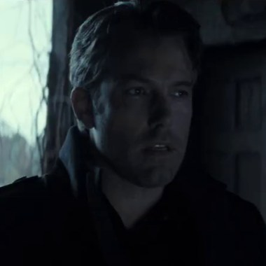 Bruce Wayne has new dialogue in international 'Batman v Superman' TV spot
