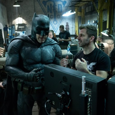 Zack Snyder talks R-rated cut of 'Batman v Superman', reveals runtime