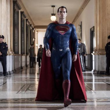 Superman gets ready to answer for destruction in new 'Batman v Superman' image