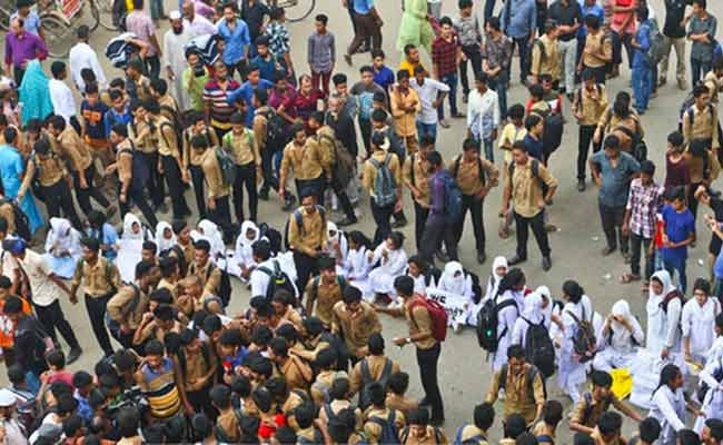 Road-accident-Protest