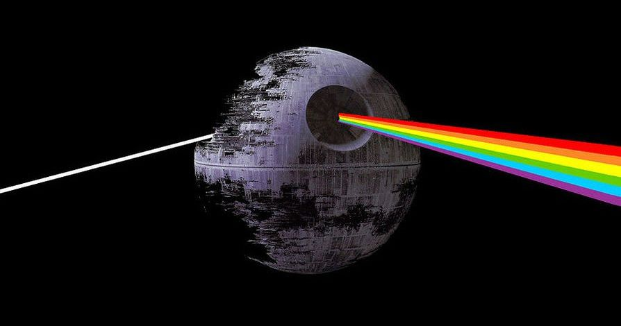 DARK SIDE OF THE MOON SYNCS WITH STAR WARS: THE FORCE AWAKENS