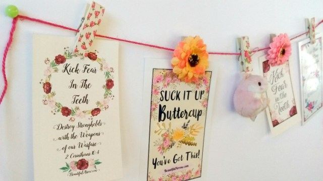 Create a Pretty Floral Motivational Banner