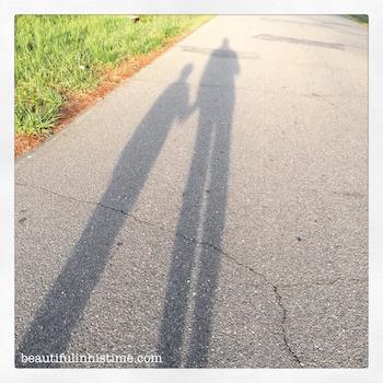 05.10 07 shadows while walking
