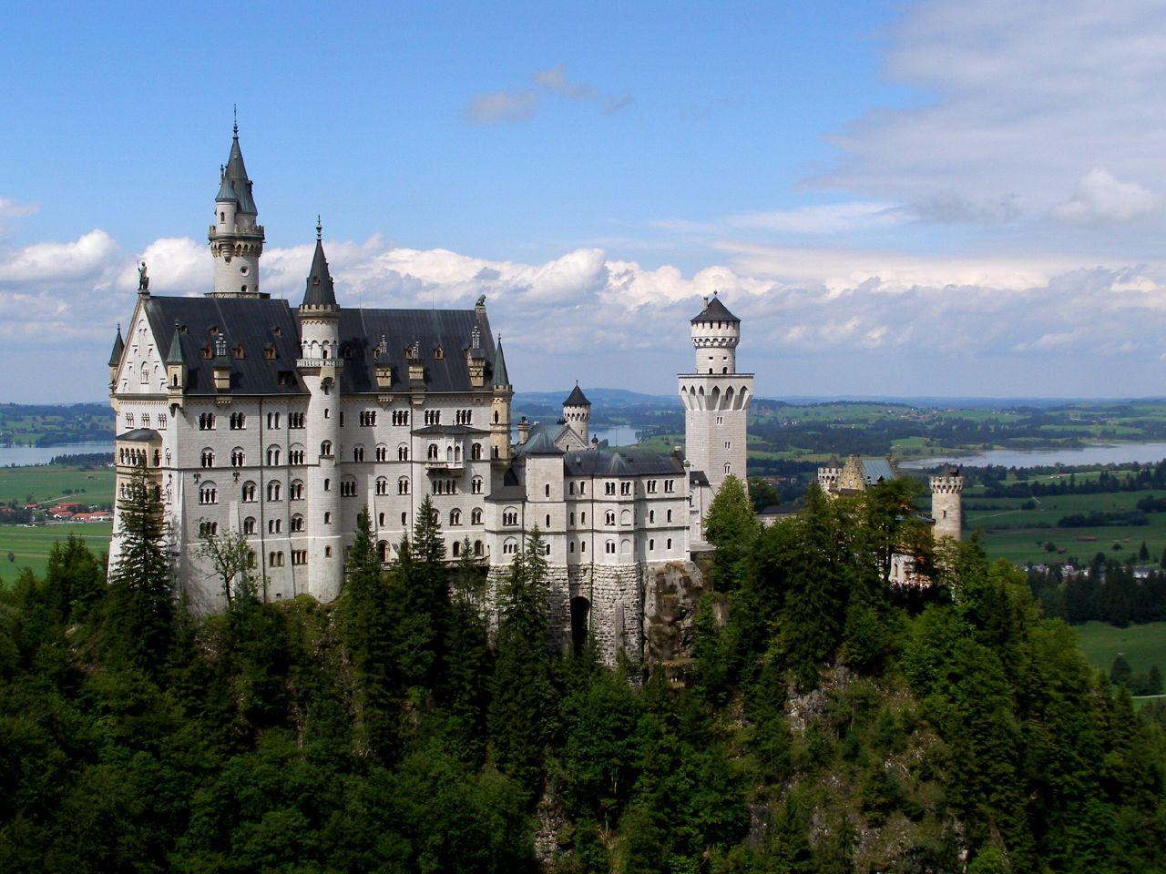 Neuschwanstein Castle Germany Beautiful Places To Visitbeautiful Places To Visit