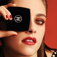 CHANEL Fall 2016 Le Rouge Collection Nº 1