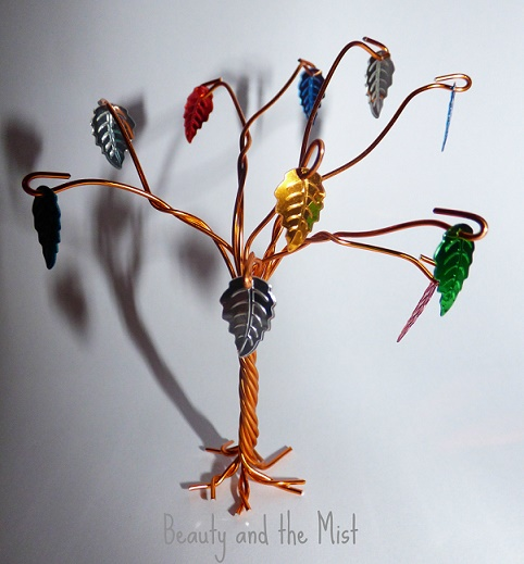 wire tree with leaves