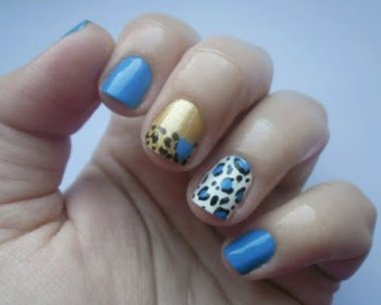 blue-mix-and-match-nail-art