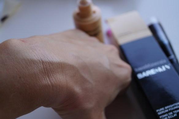 En droppe inarbetad i huden blir mycket naturligt resultat även i ansiktet