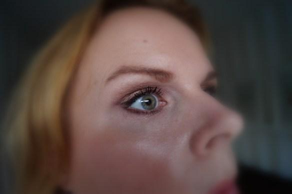 Ögonmejken från Youngblood