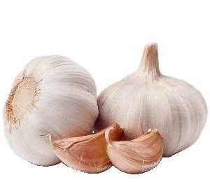Garlic for skin tags