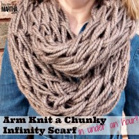 Arm Knitting an Infinity Scarf (Photo and Video Tutorial)