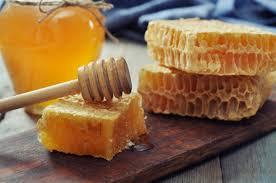 الأنزيمات الموجودة بالعسل منشأها و أهميتها في التغذية و العلاج و ما دورها في العسل