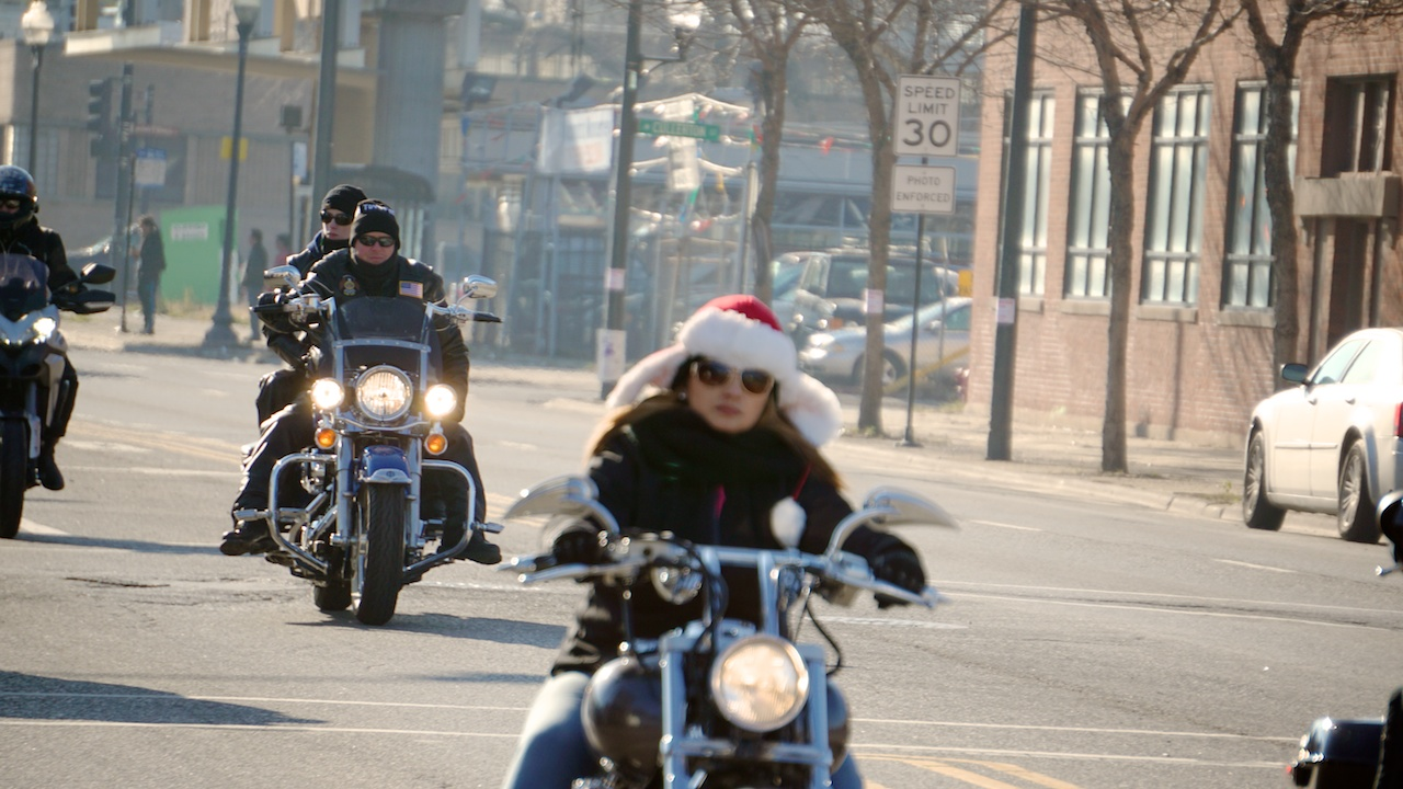 Toys For Tots Chicago : Toys for tots parade behind the moto