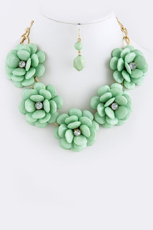 majestical-jewelry-mint-floral-necklace