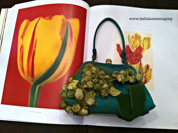 green purse with yellow tulip horizontal no frame