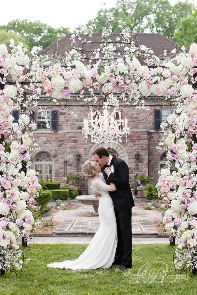 12 Gorgeous Wedding Ceremony Decor Ideas - Belle The Magazine