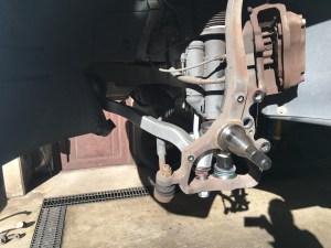 W220の足まわりからのギーギー音の修理