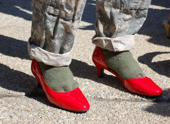 Beauty First: 1 RAR to take all female infantry soldiers