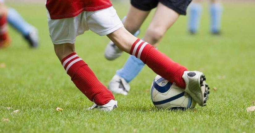 Da peneira à profissionalização no futebol: um sonho arriscado