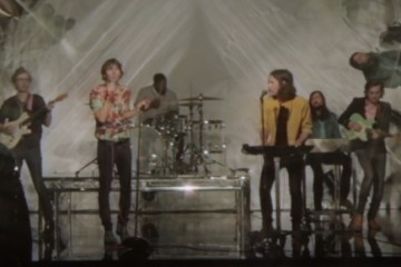 Phoenix - J-Boy - Screenshot vevo.com